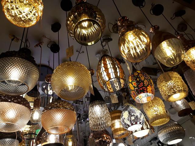 wholesale lighting supply