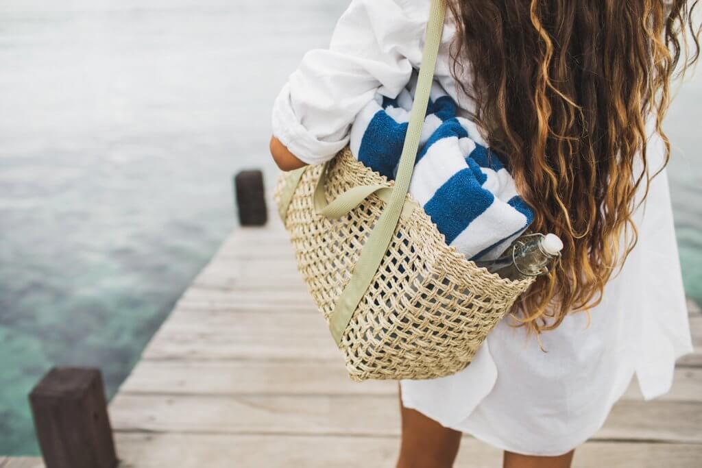Wicker beach bag